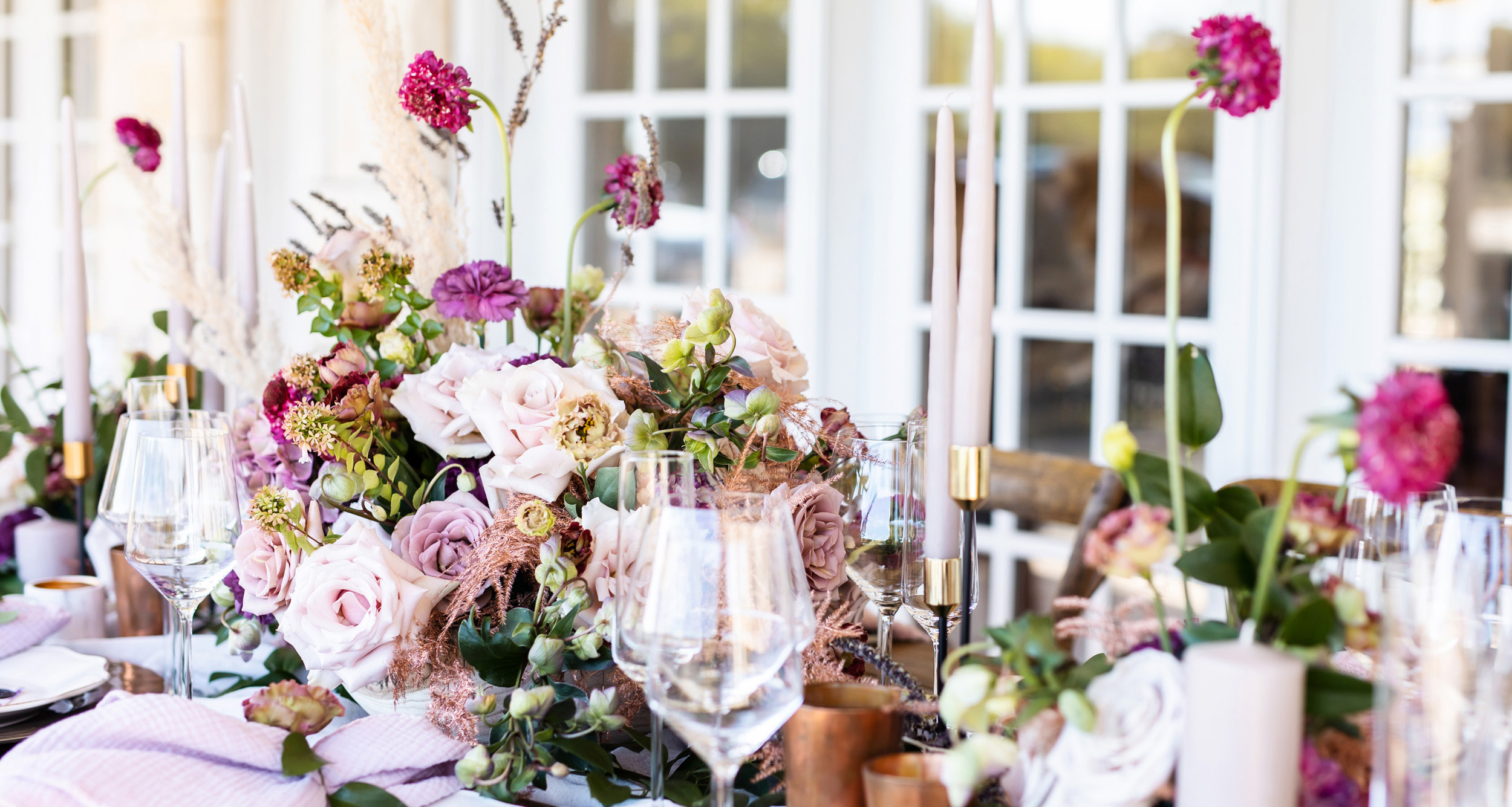 dusty purple tablescape